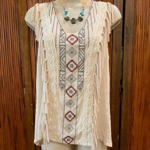 Knox Rose Boho Style Fringed Sleeveless Blouse